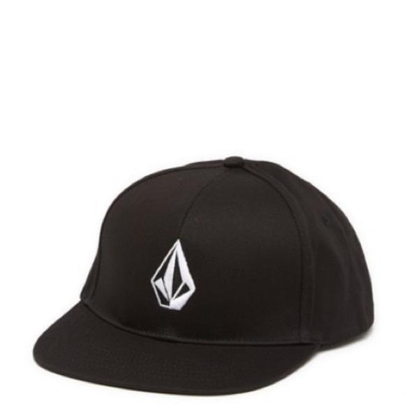 NWT Volcom Men/'s V Stone Snapback Black Hat Baseball Cap One Size